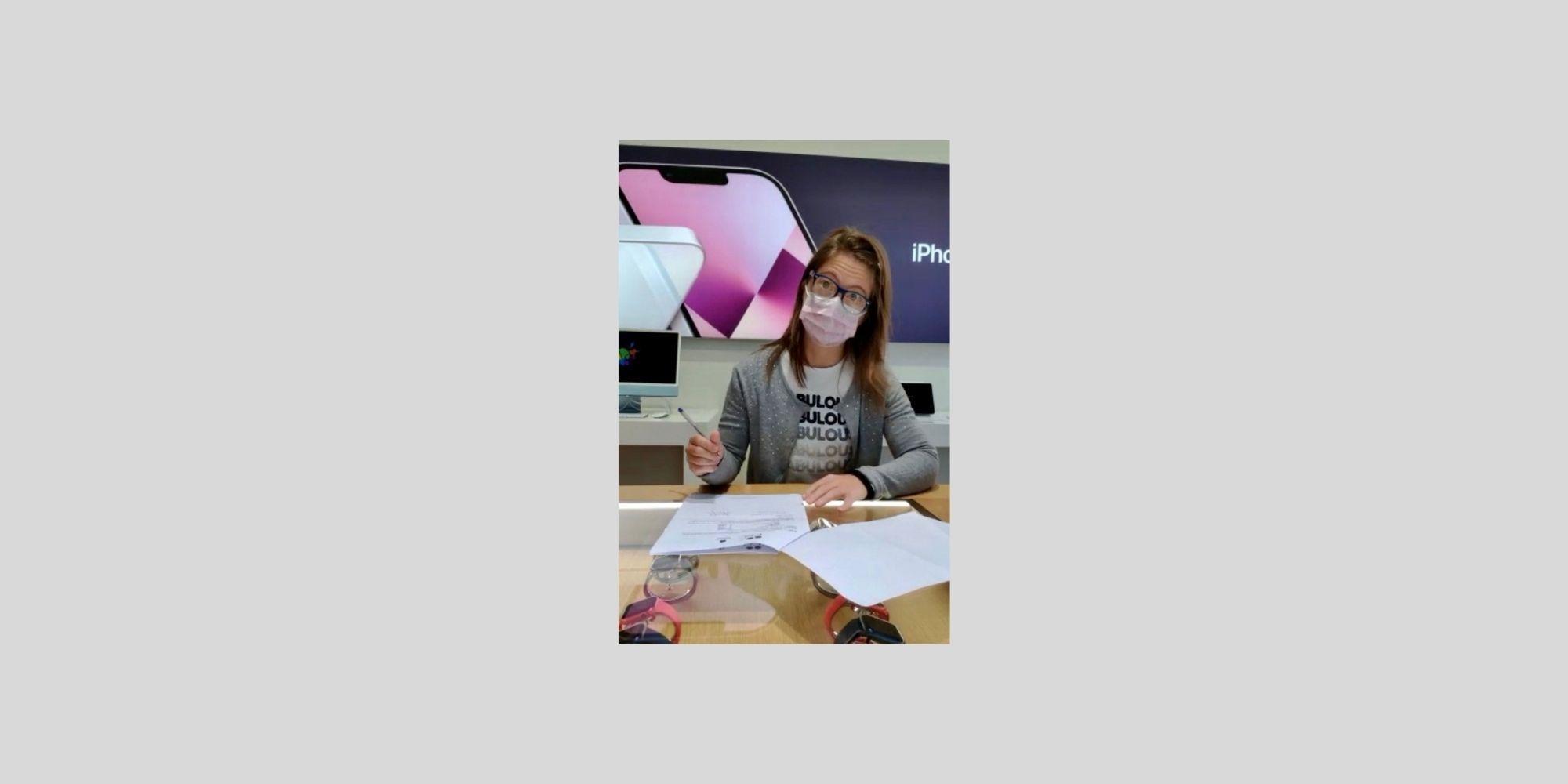 Giorgia Leone firma il contratto di lavoro